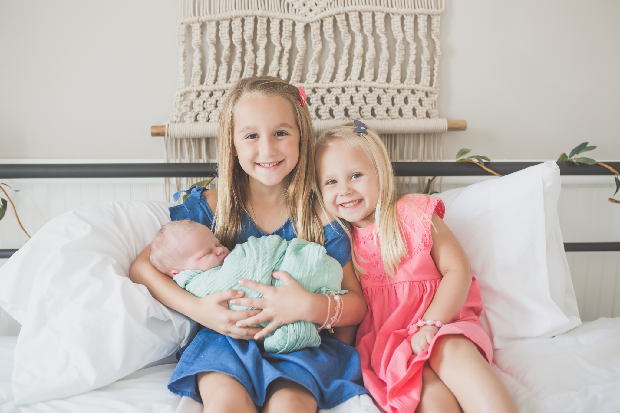 Sibling photos Newborn session photographer lifestyle studio - Cara Peterson Photography Rockford IL-5-10.jpg