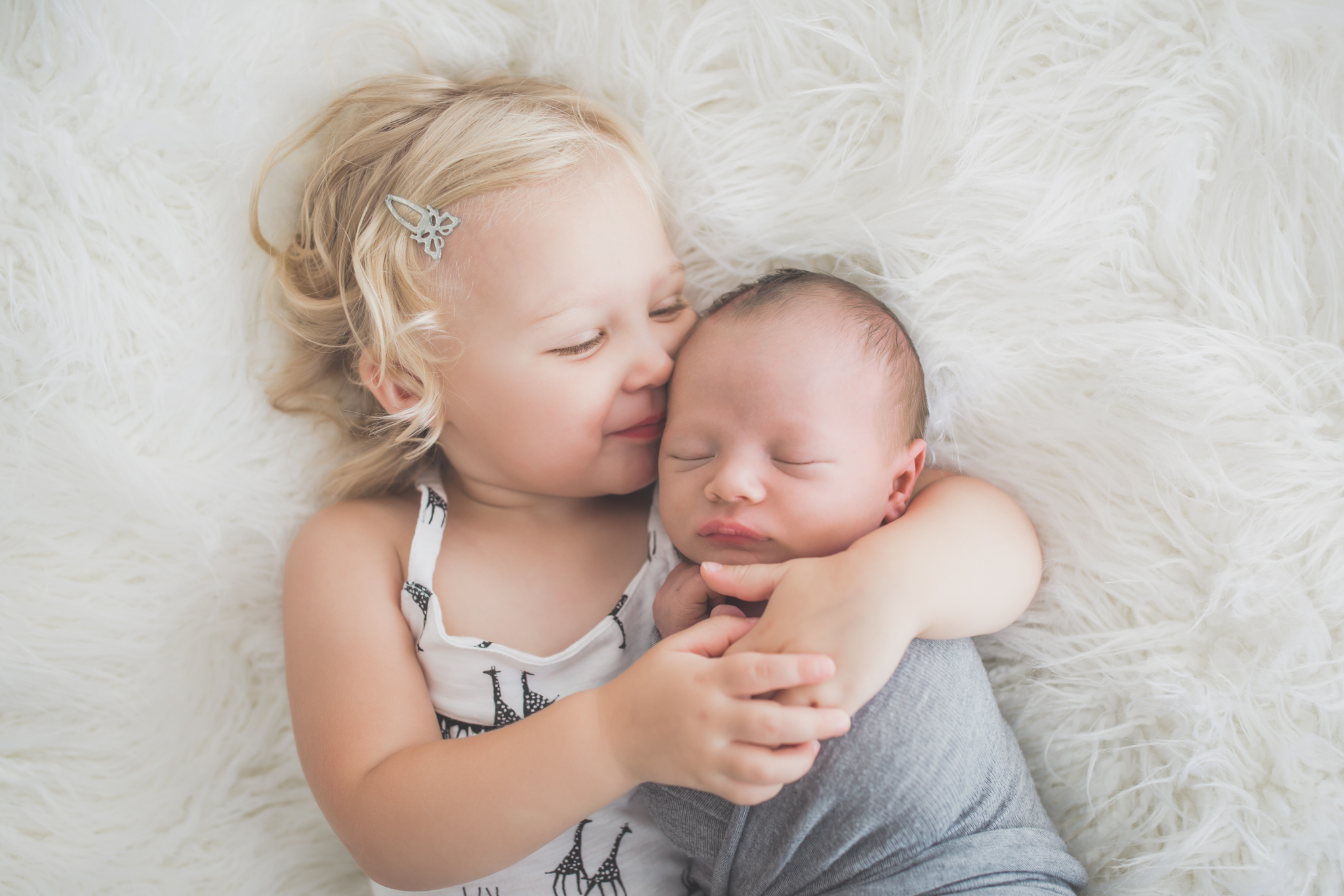 Sibling photos Newborn session photographer lifestyle studio - Cara Peterson Photography Rockford IL-6-2.jpg