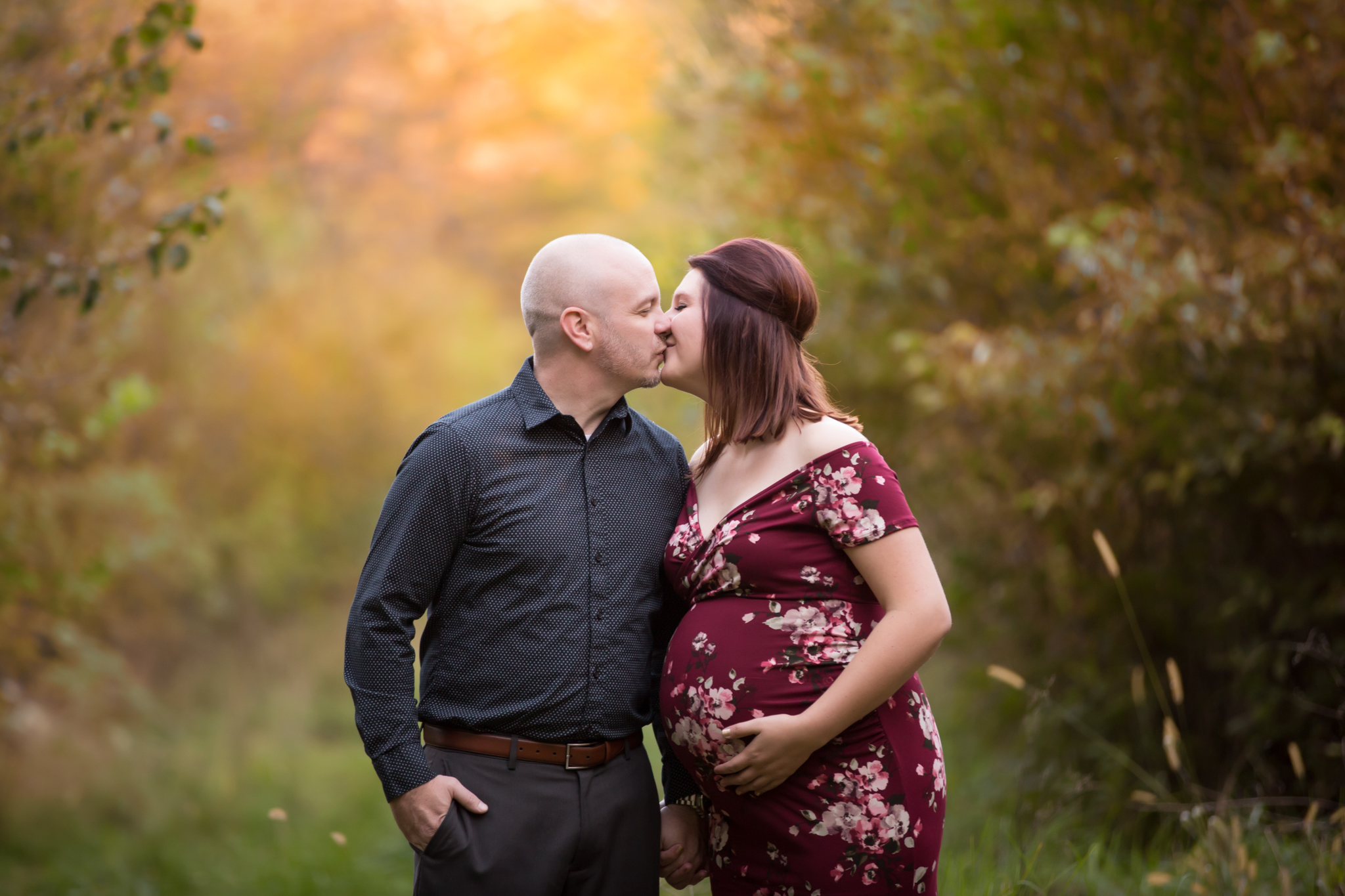 Family Fall Sessions wiht colorful leaves maternity, pet poses  - Cara Peterson Photography Rockford IL-6-2.jpg