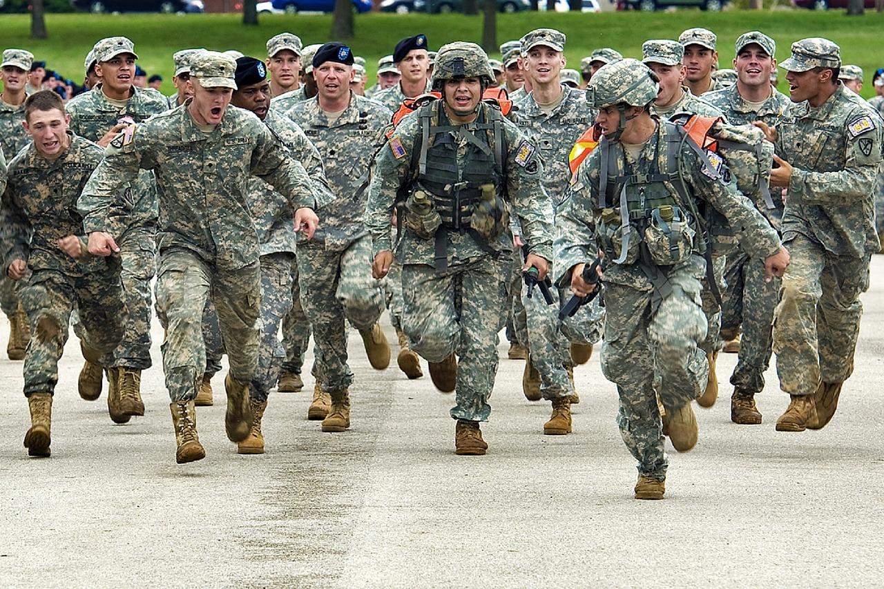 military-trabsition-vs-career-transition.jpg
