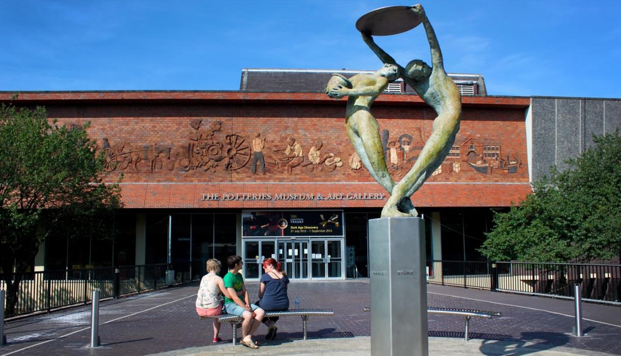 Potteries Museum and Art Gallery - Bethesda St, Hanley Stoke-on-Trent, ST1 3DWhttp://www.stokemuseums.org.uk/pmag/visit