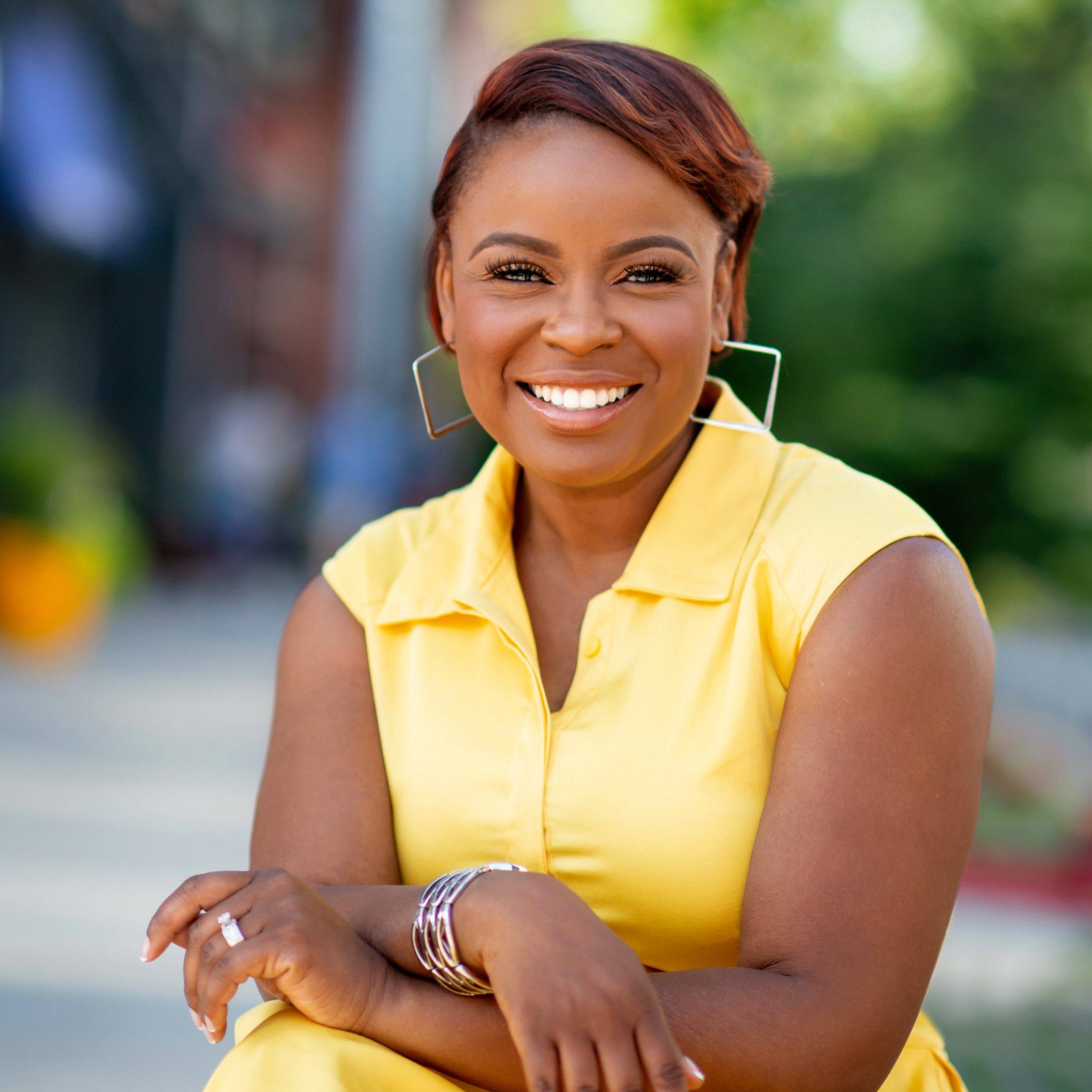"""""""Before working with Raven, I was battling feelings of overwhelm and indecision, causing my business growth to stagnate. With Raven's help, my stress began to evaporate and I gained the clarity I needed to execute the projects I'd been stalling on. Throughout the process, she was super professional, held me accountable, and served as a partner in both my personal and financial success. """"Amber L. WrightCommunication Expert & Coach Words Well Said -"""