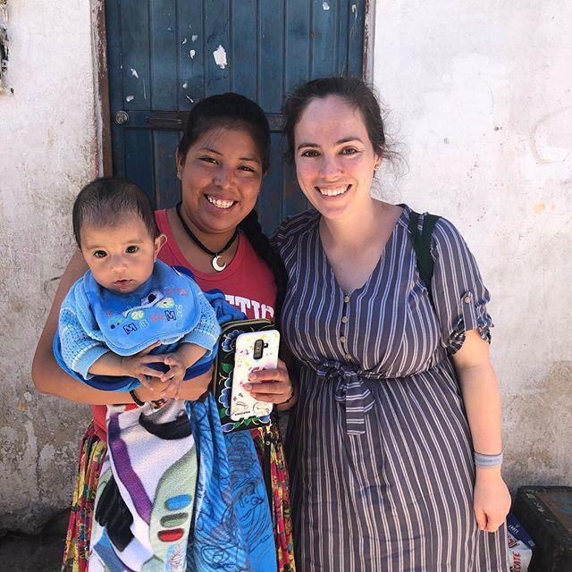 Esta semana pasada volví al Oasis, una comunidad Raramuri en Chihuahua donde comencé mi trabajo de campo en el 2010. Esta vez volví como reportera para el New York Times. Mi ensayo sobre los preciosos vestidos Raramuri será acompañada de fotografías tomadas por Malin Fezehai. Me dio tanta alegría ver a mi querida amiga Yulisa y conocer a su hermoso bebé ❤️❤️❤️