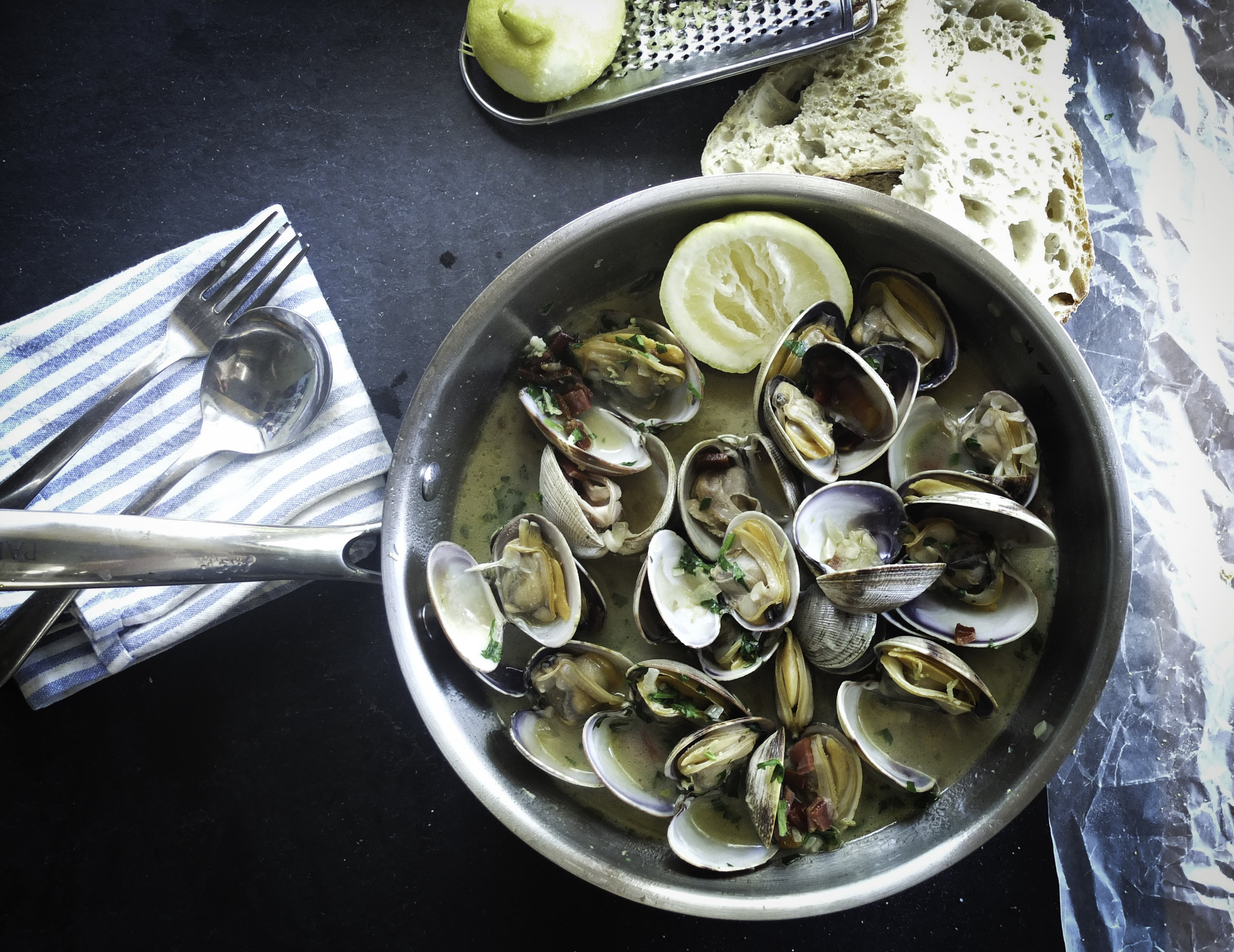 Fresh Clams in Garlic Sauce - a seafood decadence!