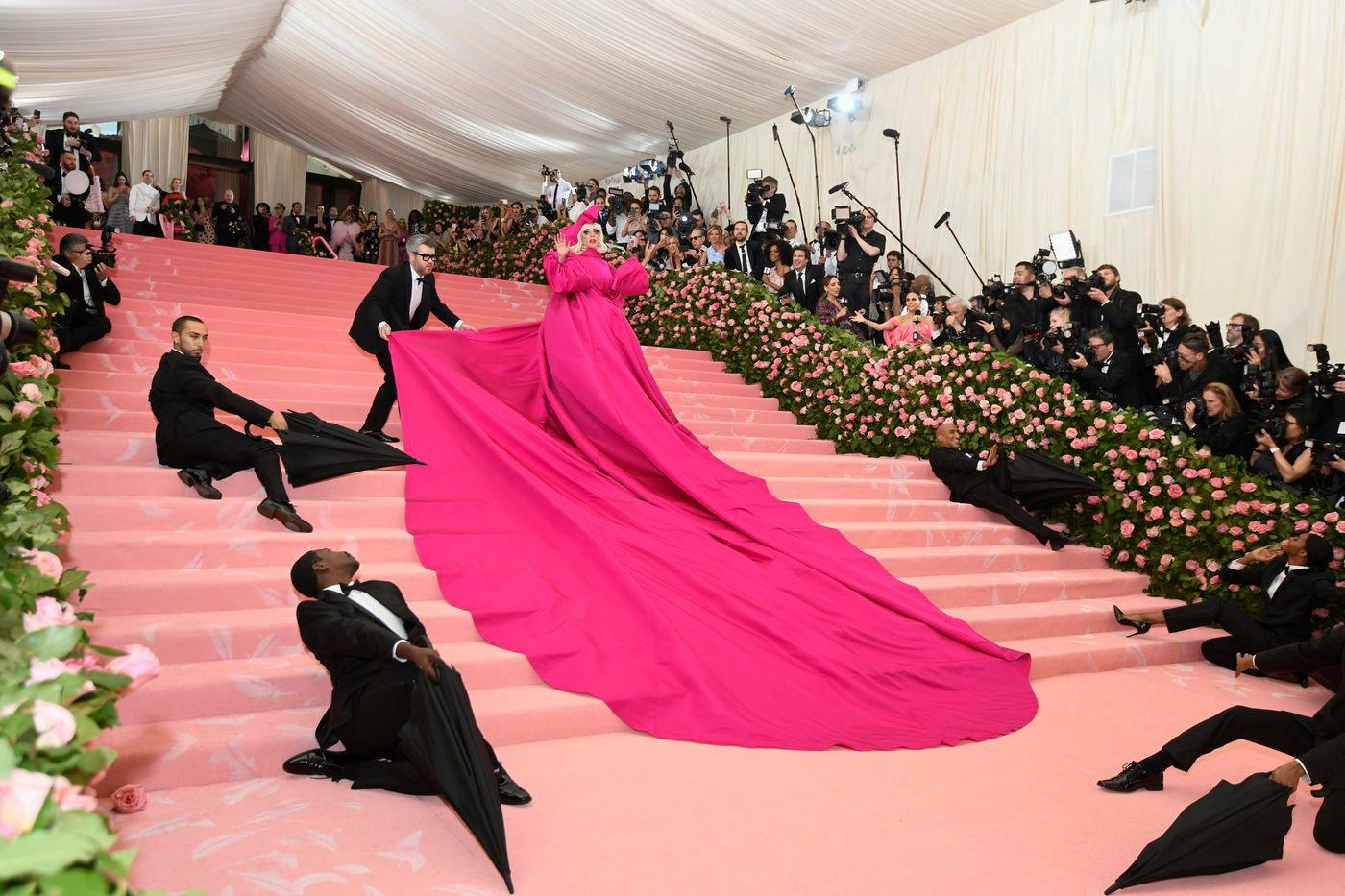 Gaga who lives and breathes camp obviously went big. She had 4 Brandon Maxwell outfits for the carpet but this was by far her best. Her entourage hit their marks perfectly.