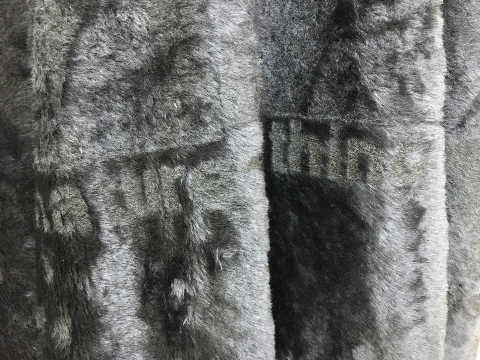 Valinia Svoronou,  Dense Coat Configuration