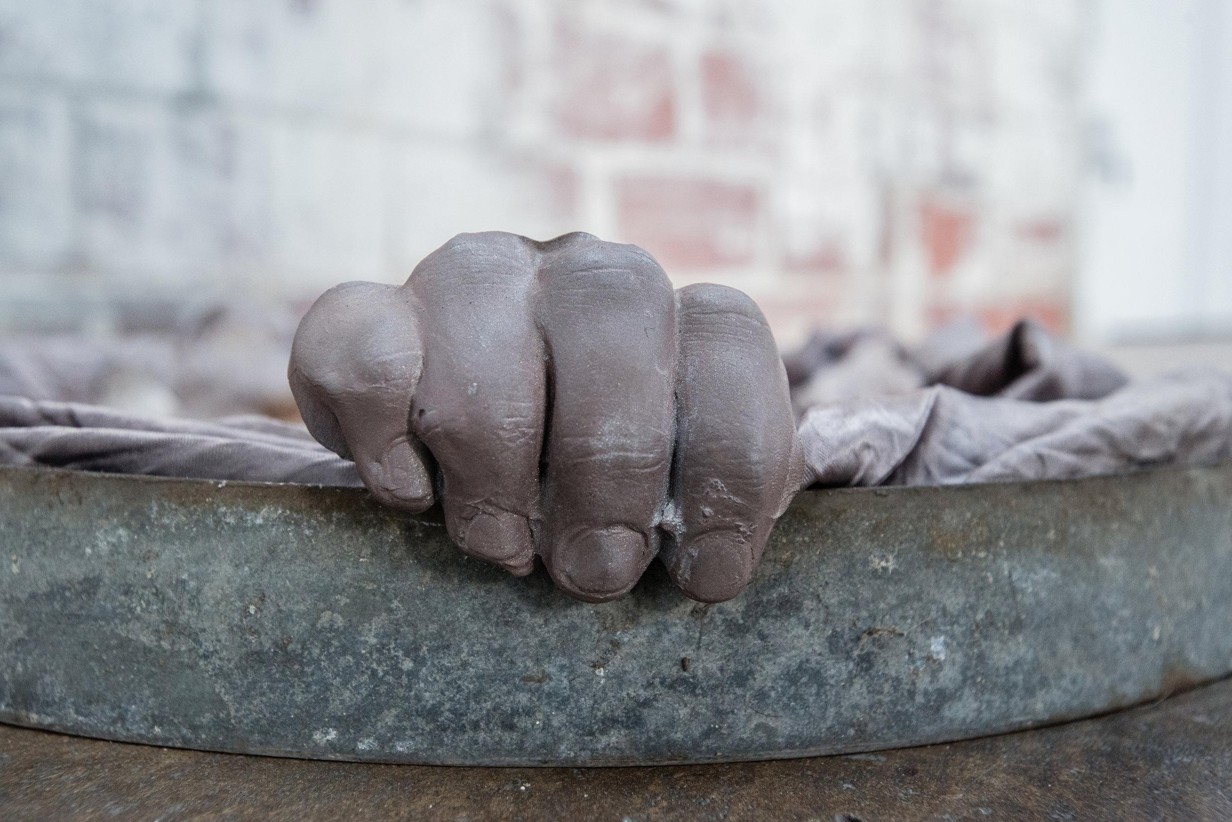 Jenine Marsh,  contortion (silver)