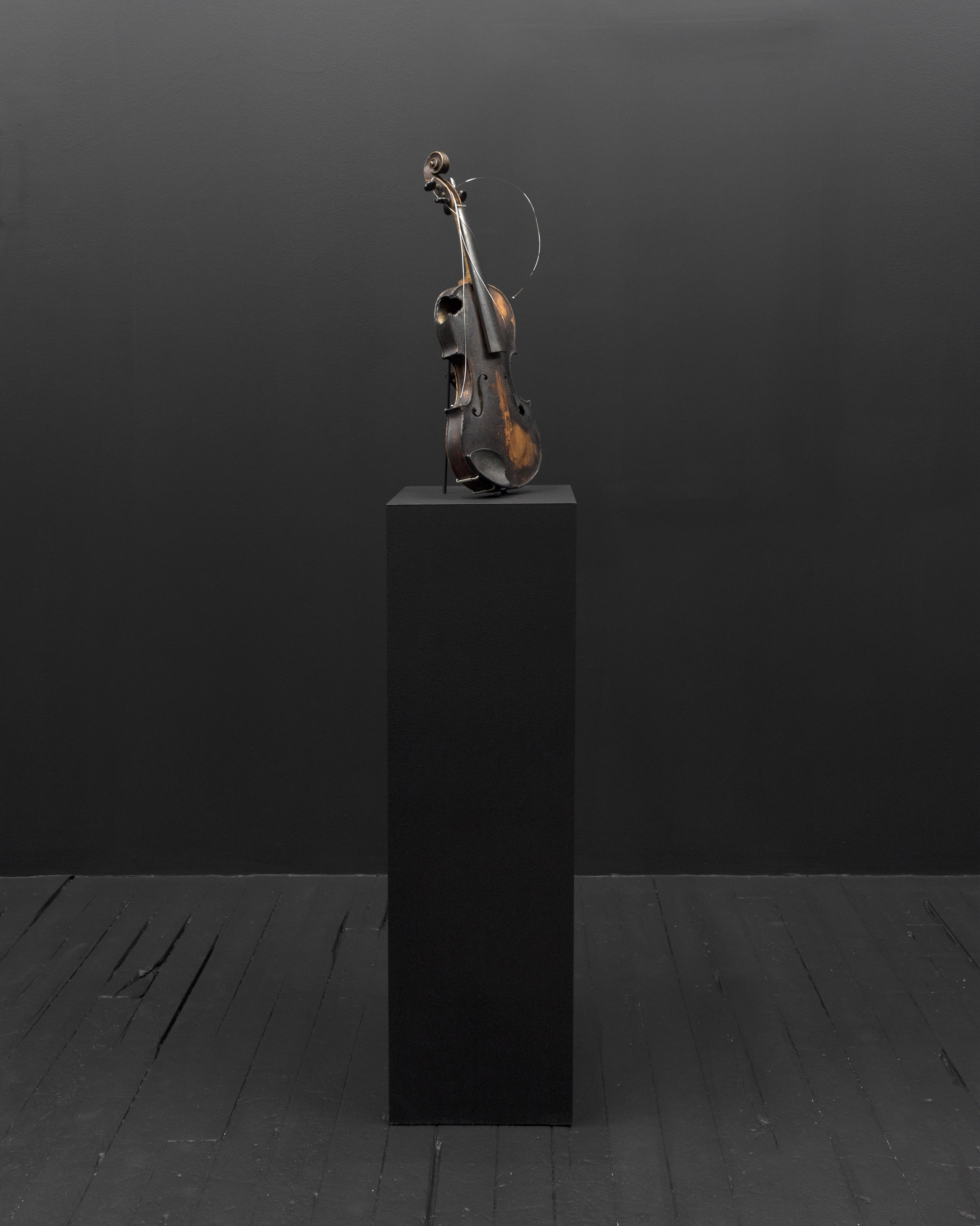 Micca Schippa,  as the organism decays and the bones are no longer held together by the flesh , Original Stradivarius Violin (C. 1726). 2018.