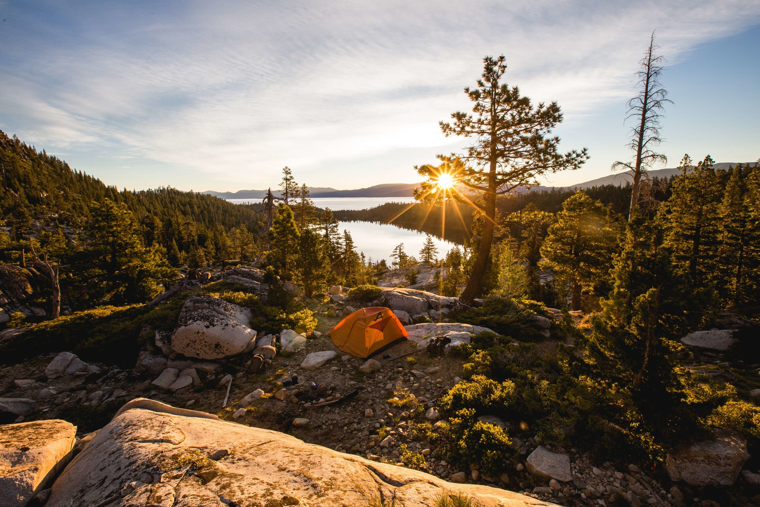 The best camping tents give you the freedom to easily visit beautiful places.   Photo by    Teddy Kelley    on    Unsplash