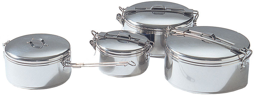 The various sizes of the MSR Alpine Stowaway stainless steel cooking pots.