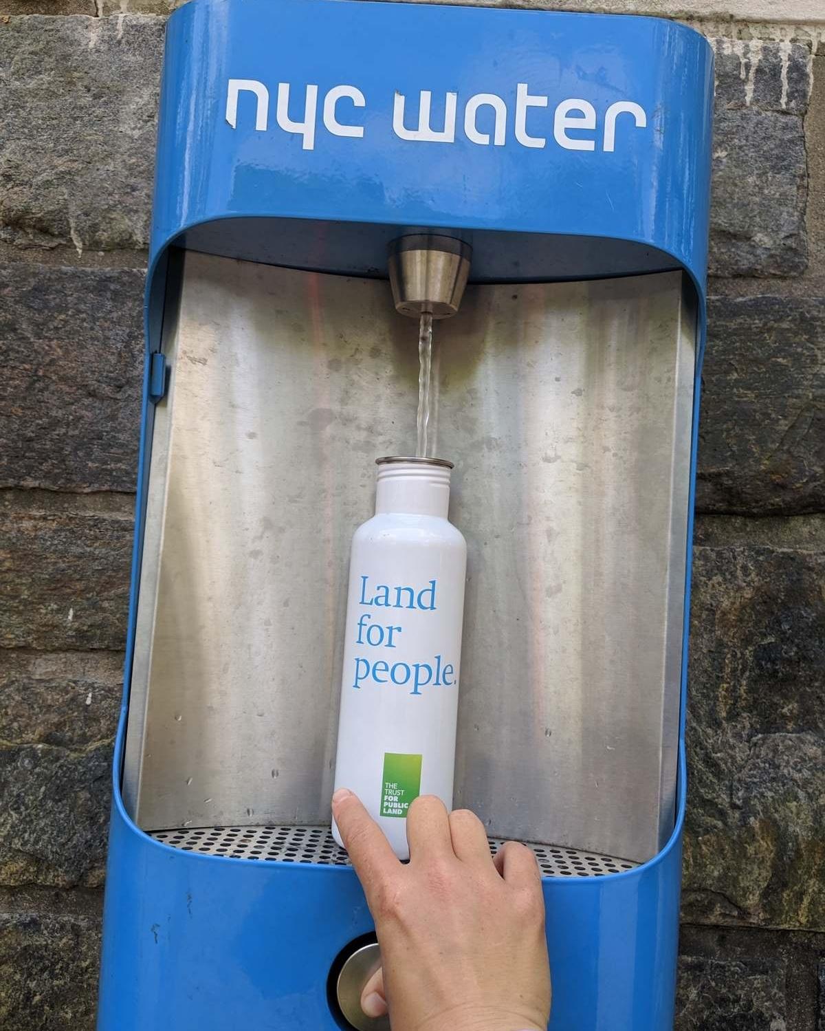 Insulated Water Bottle - Hydro Flask 24 oz Water BottleRead why→