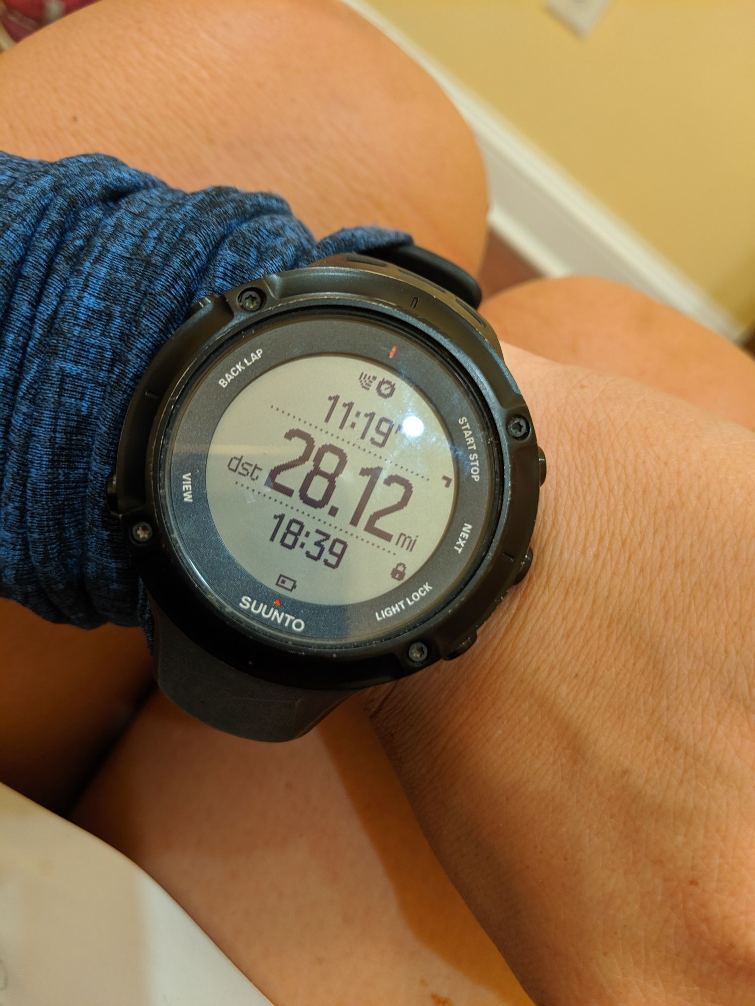 Liz Thomas wearing the Suunto Ambit3 Peak GPS watch.
