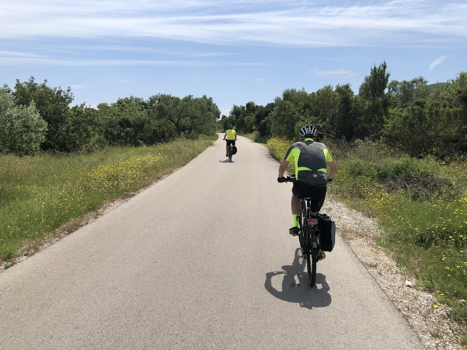How should I load my touring bike? This rider chose rear panniers.