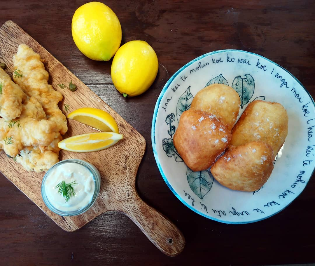 We've adapted this recipe from the Māori Television recipe here!  https://www.maoritelevision.com/kai/recipes/fry-bread   Served with banana blossom vegan fish.