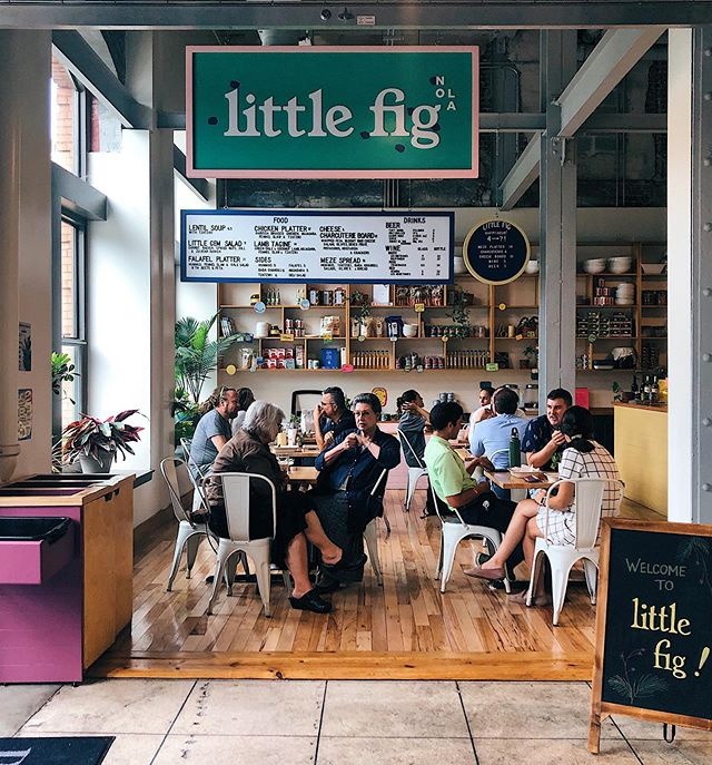 Oh look, we've got the cutest spot for lunch in the CBD. Come get your falafel fix! 🥙 . . . #littlefig #1000figs #pythianmarket #afoodhallforall #lunch #foodhall #nola #neworleans #nolafood #neworleansfood #wherenolaeats #nolagourmand #eater #eaternola #interiordesign #followyournola #followyourstomach #urbanmarket #eatingforinsta #mediterraneanfood #healthyfood #eeeeeats #falafel #🥙