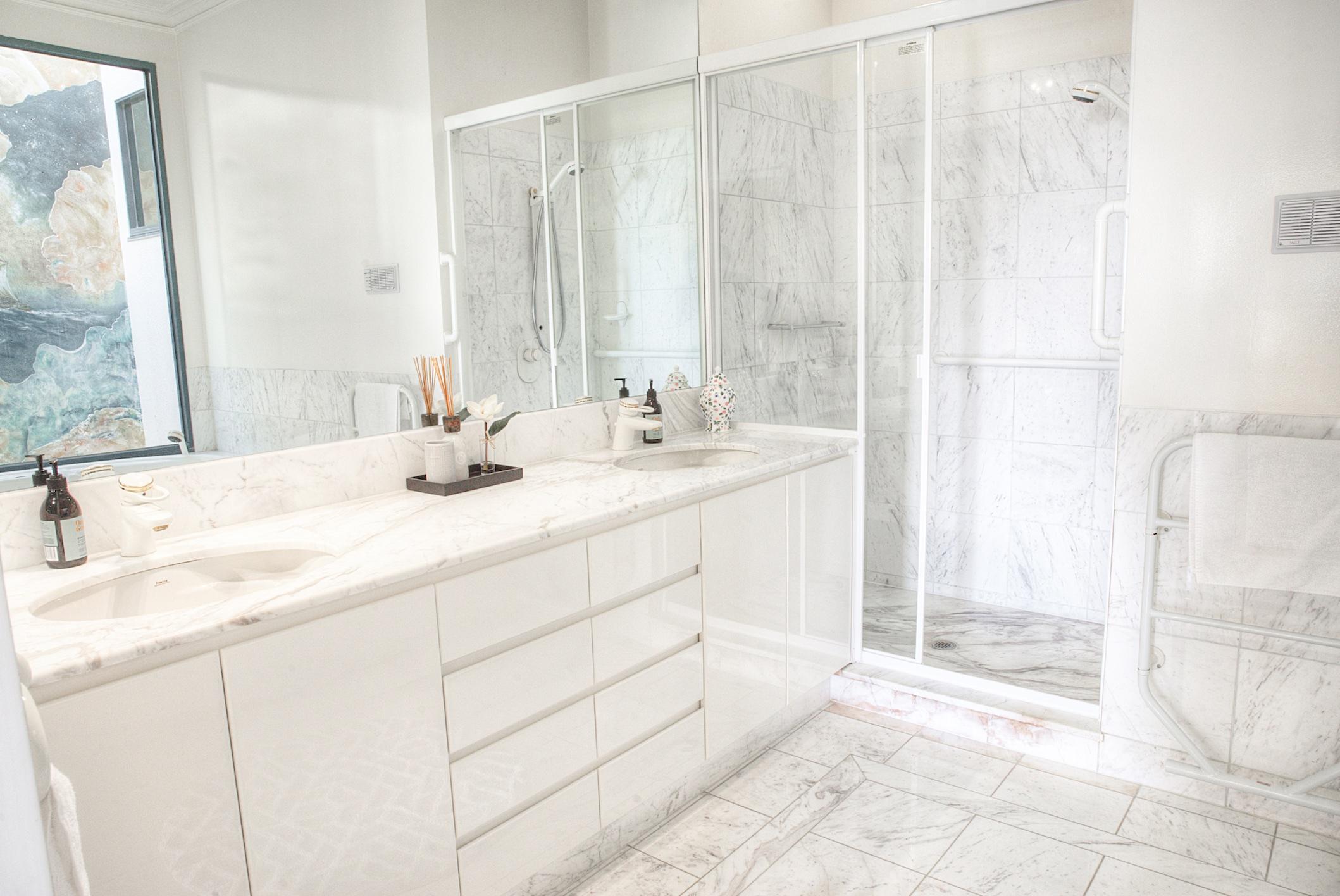 PevenseyHouse_2-Bathroom.jpg