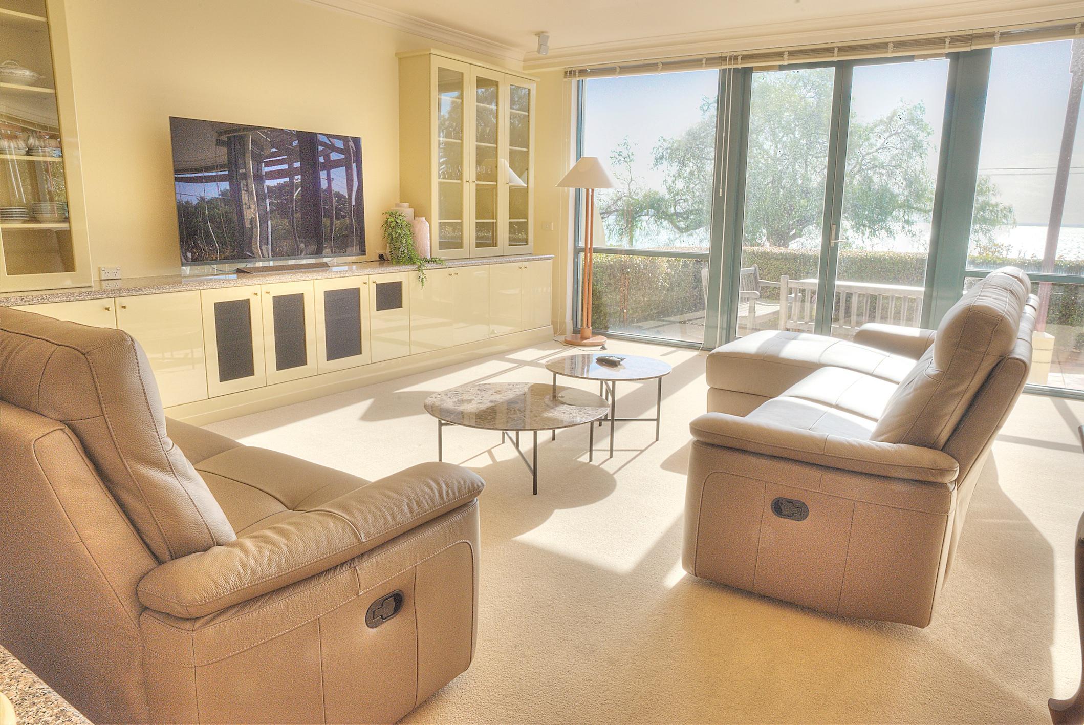 PevenseyHouse_9-Lounge.jpg