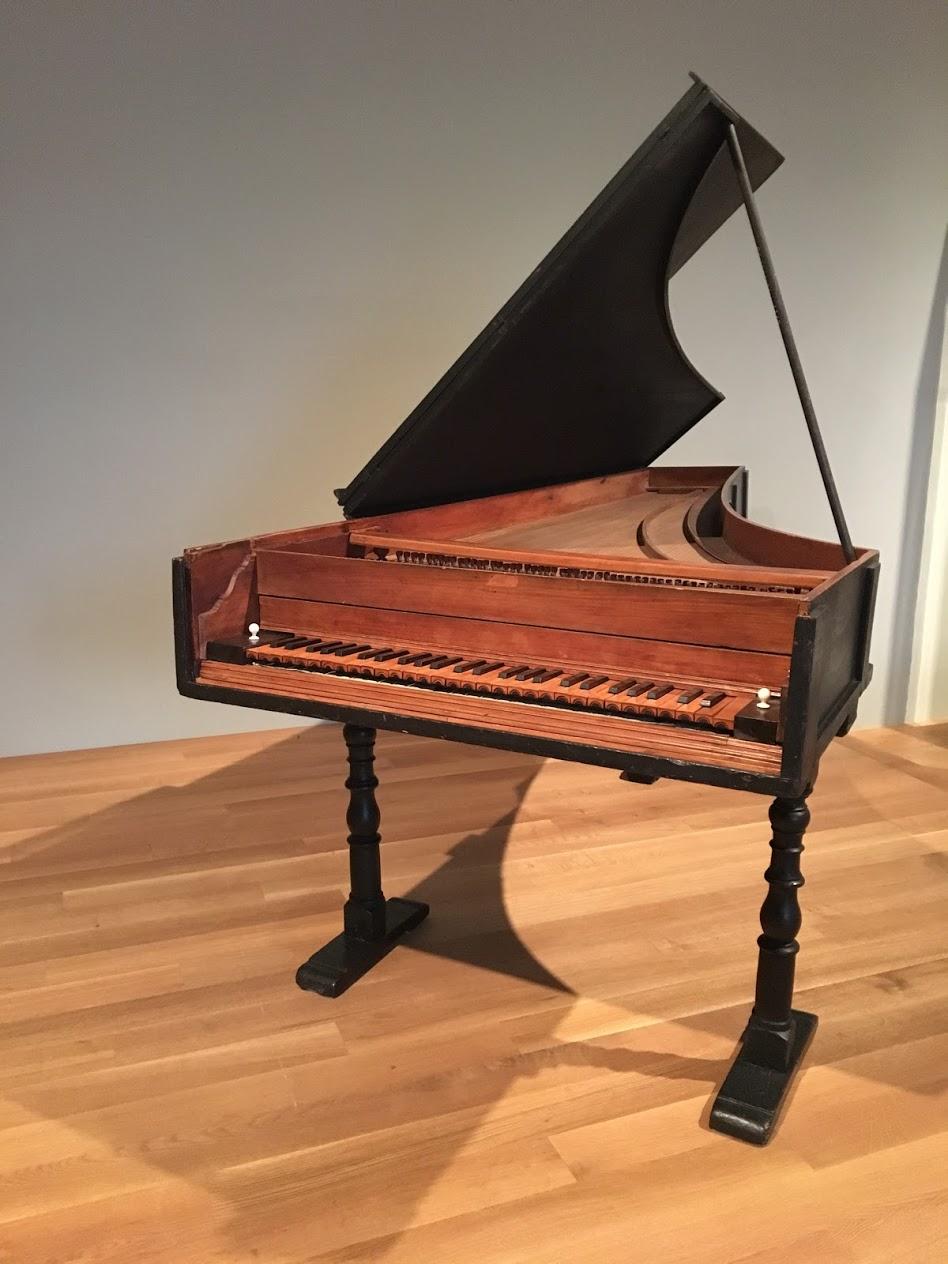 met-piano.JPG
