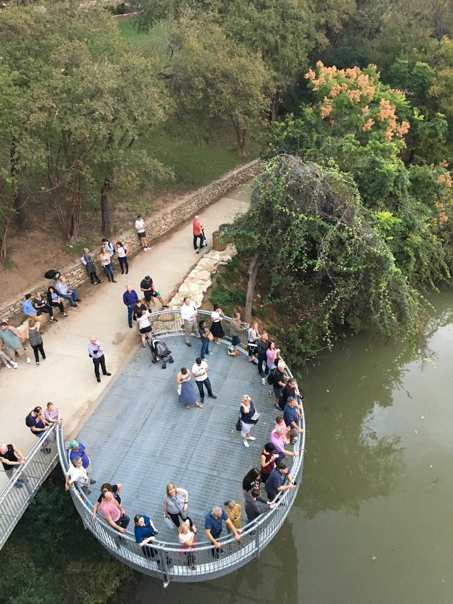bat-bridge-tourists.JPG