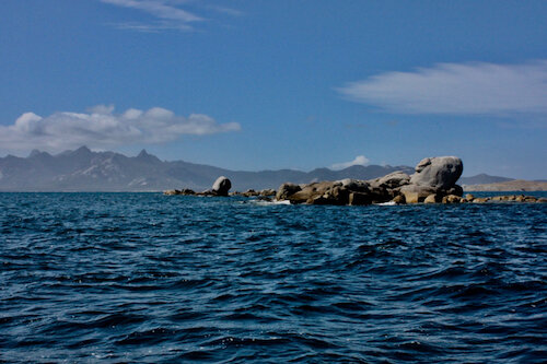 The Peaks of Flinders from Long Island Passage
