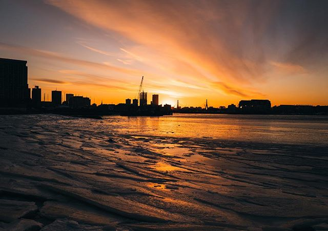 Sunsets and frozen oceans in Boston #Leica