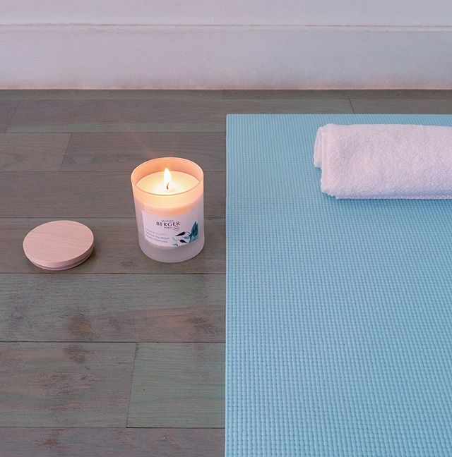 Release blocked energy and experience euphoria with the Aroma Happy collection. Formulated with essential oils for your well-being.  #scent #homefragrance #MaisonBergerUSA #madeinfrance #candles #homedecor #AromaCollection #design #gifts #aromachology #selfcare