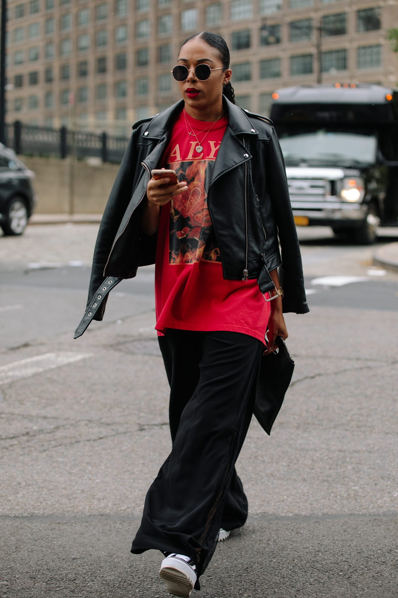 new-york-fashion-week-street-style-spring-2019-day-3-3.jpg