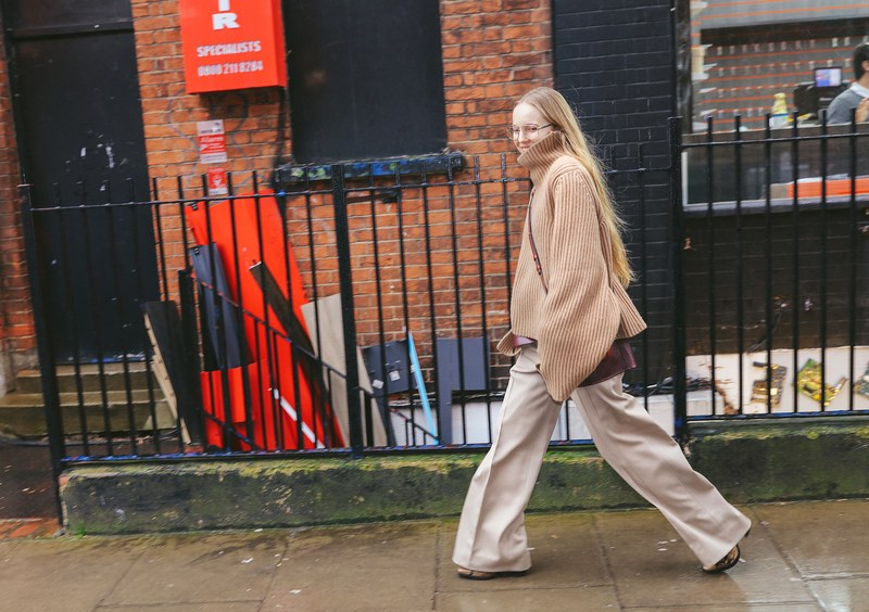 16-london-fall-19-street-style-phil-oh.jpg