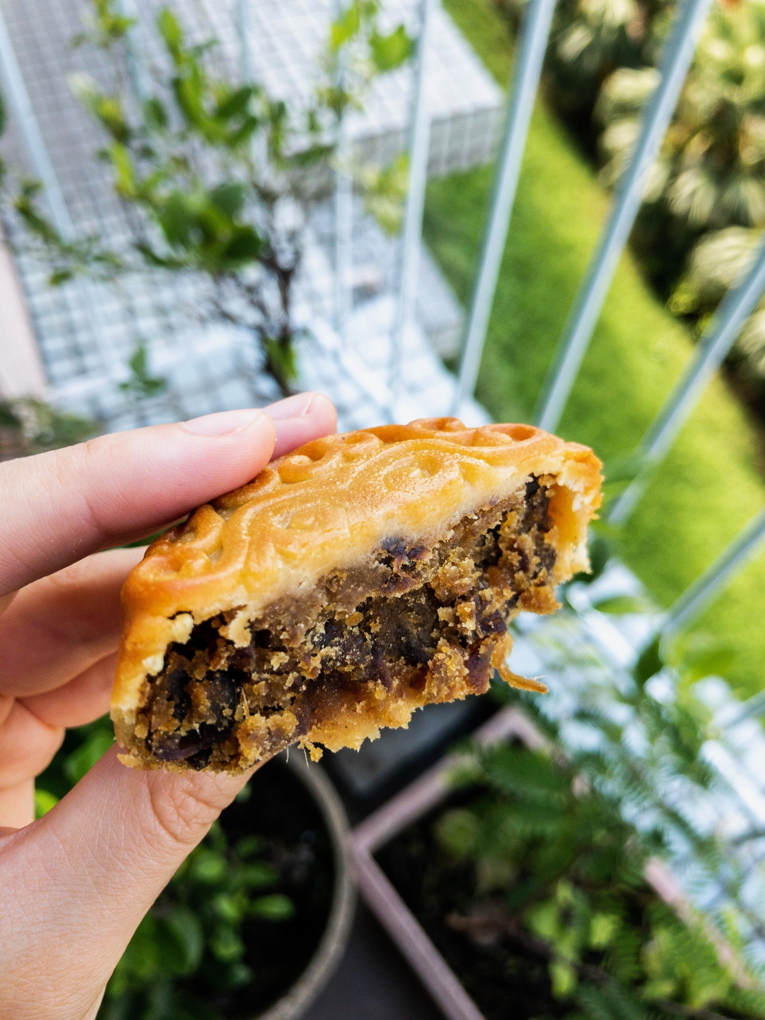 Traditional-Style Pure Vegetarian Mooncake with Mushroom Filling