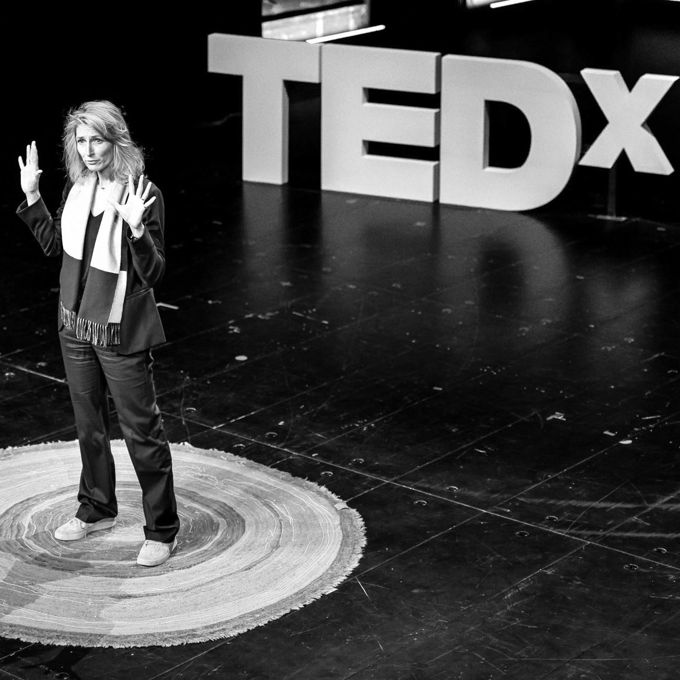 Nathalie Weidenfeld - Digital Humanism oder how to be adult the digital age