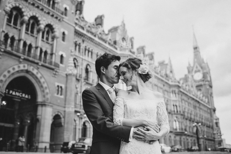 St-Pancras-wedding-photographer-london-072.jpg