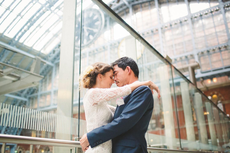 St-Pancras-wedding-photographer-london-083.jpg