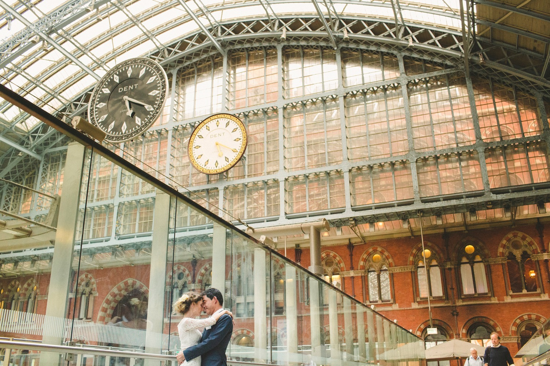 St-Pancras-wedding-photographer-london-082.jpg