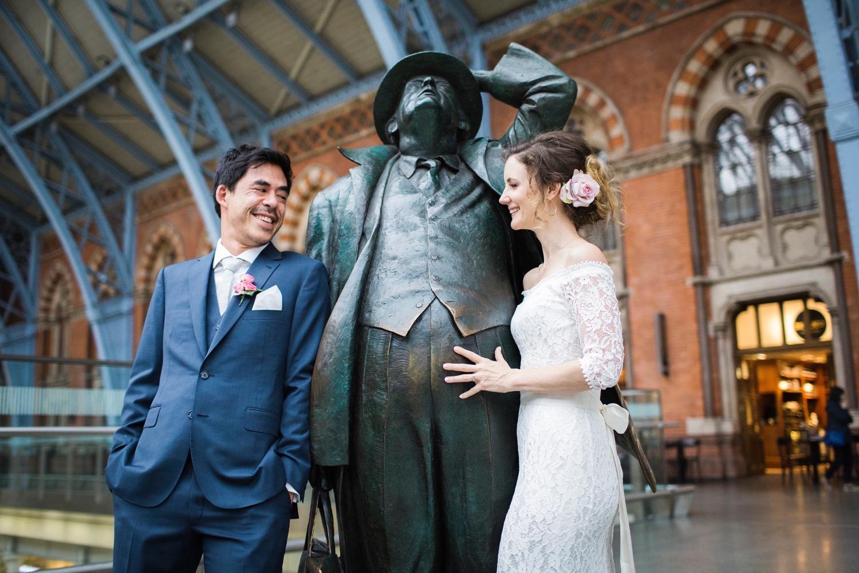St-Pancras-wedding-photographer-london-087.jpg