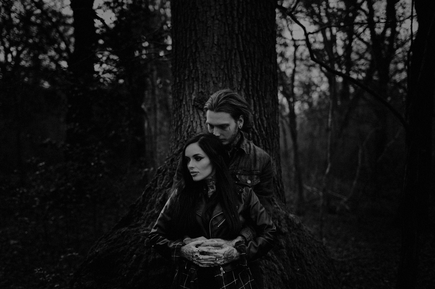 engement-photography-and-natural-couple-photoshoot-london-24.JPG
