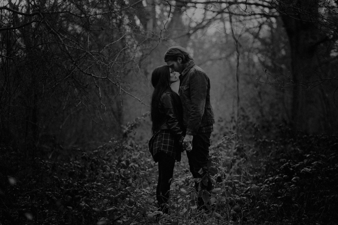 engement-photography-and-natural-couple-photoshoot-london-33.JPG