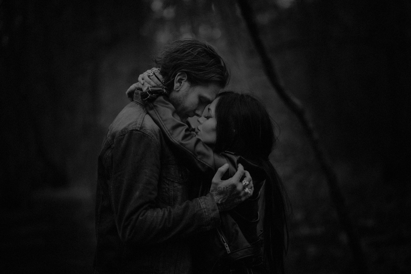 engement-photography-and-natural-couple-photoshoot-london-52.JPG