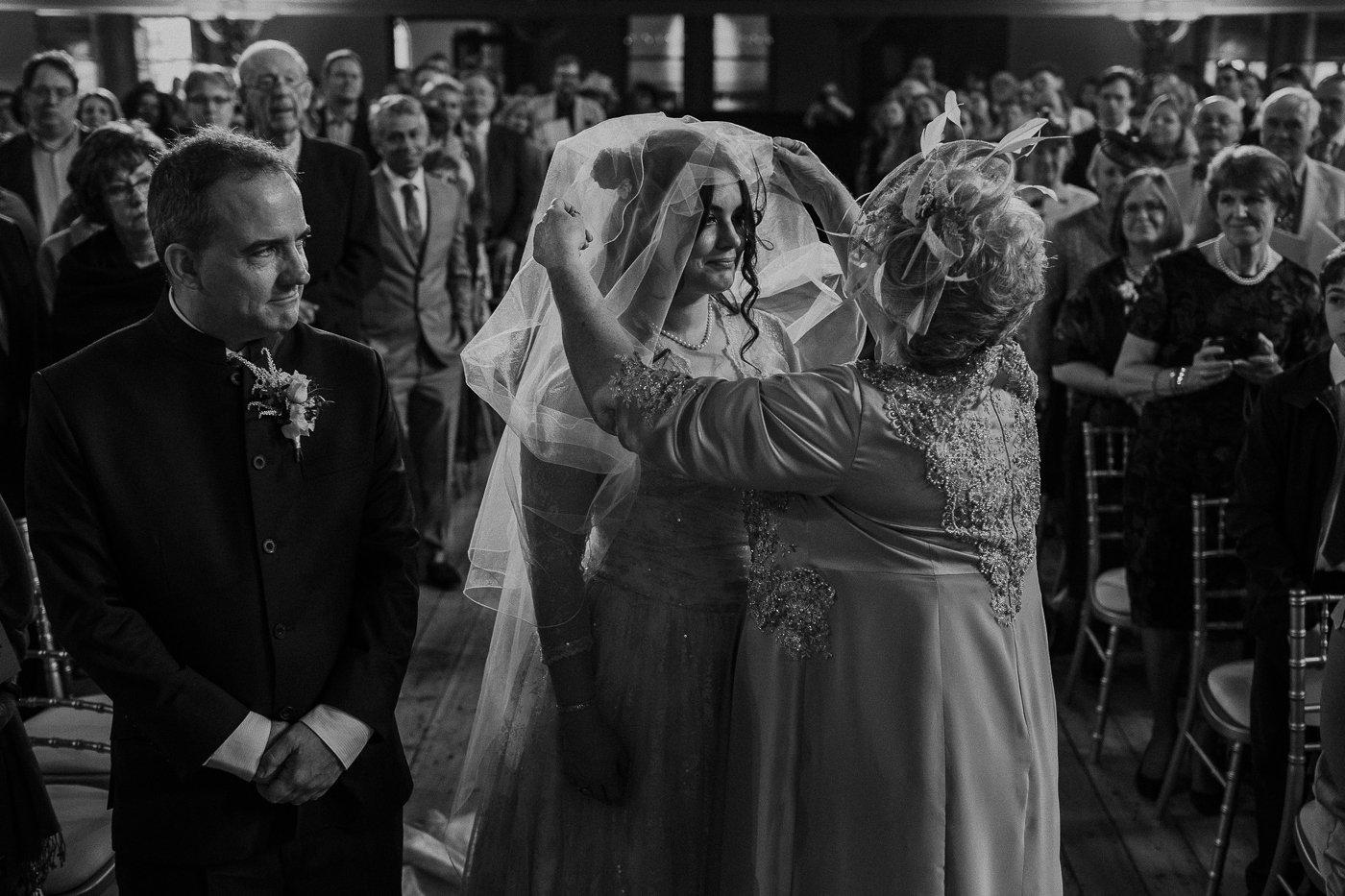 jewish-wedding-photographer-london-17.jpg