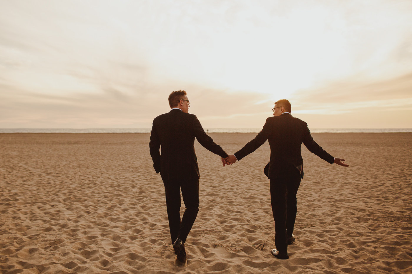 destination-wedding-photographer-shutters-on-the-beach--23.jpg