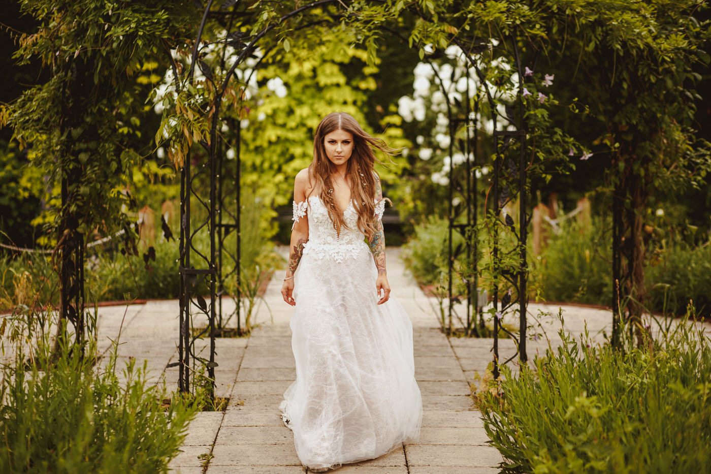 gaynes-park-wedding-photography-41.jpg