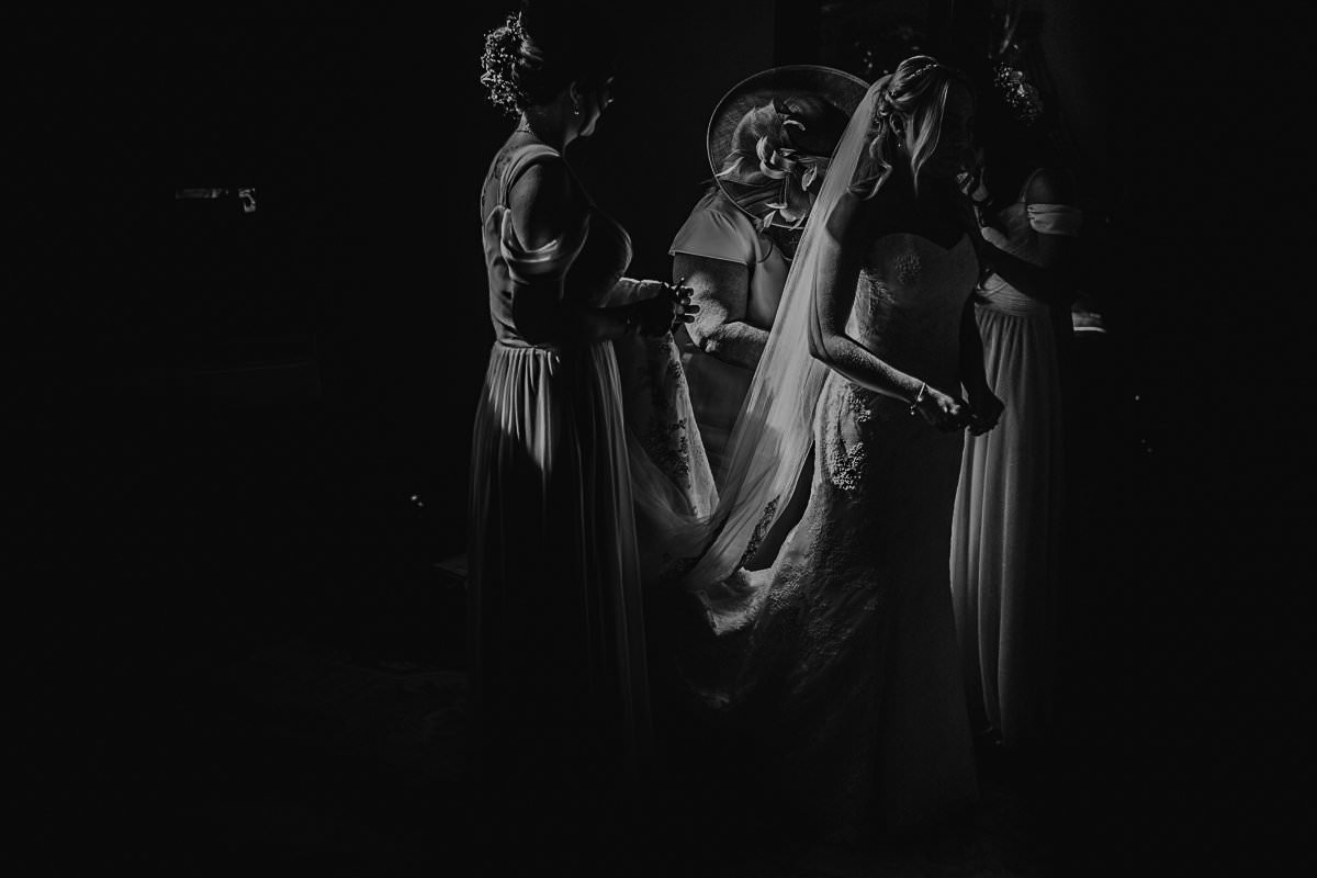 moments-and-emotions-in-wedding-by-motiejus-52.jpg