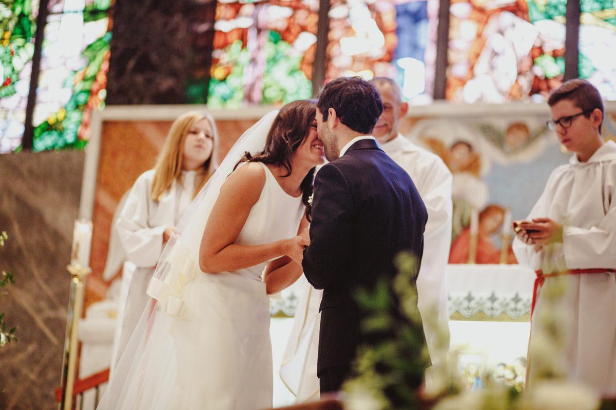 Academy-of-music-wedding-photography-32.jpg