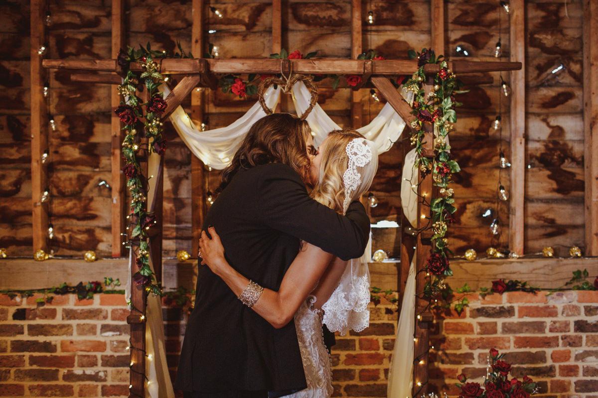 alternative-wedding-photographer-motiejus-26.jpg