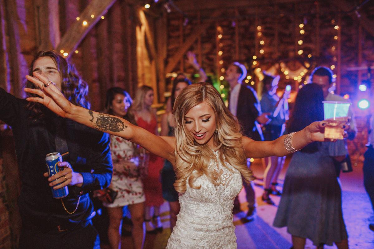 alternative-wedding-photographer-motiejus-77.jpg
