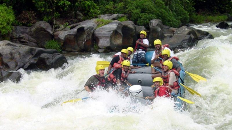 white-water-rafting-kithulgala.jpg