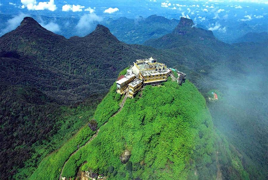 Adams_Peak_in_Sri_Lanka.jpg