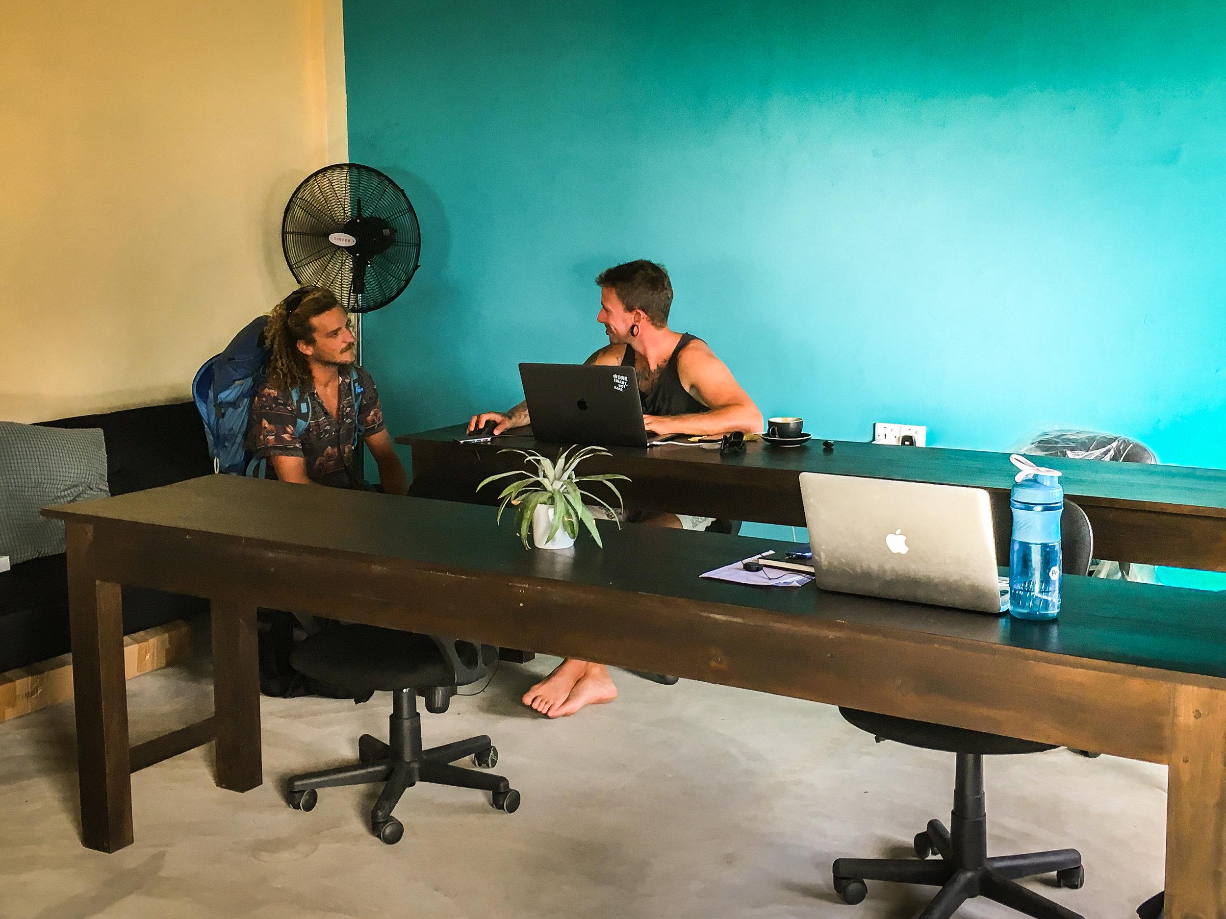 Coworking_Beach_Sri_Lanka.jpg