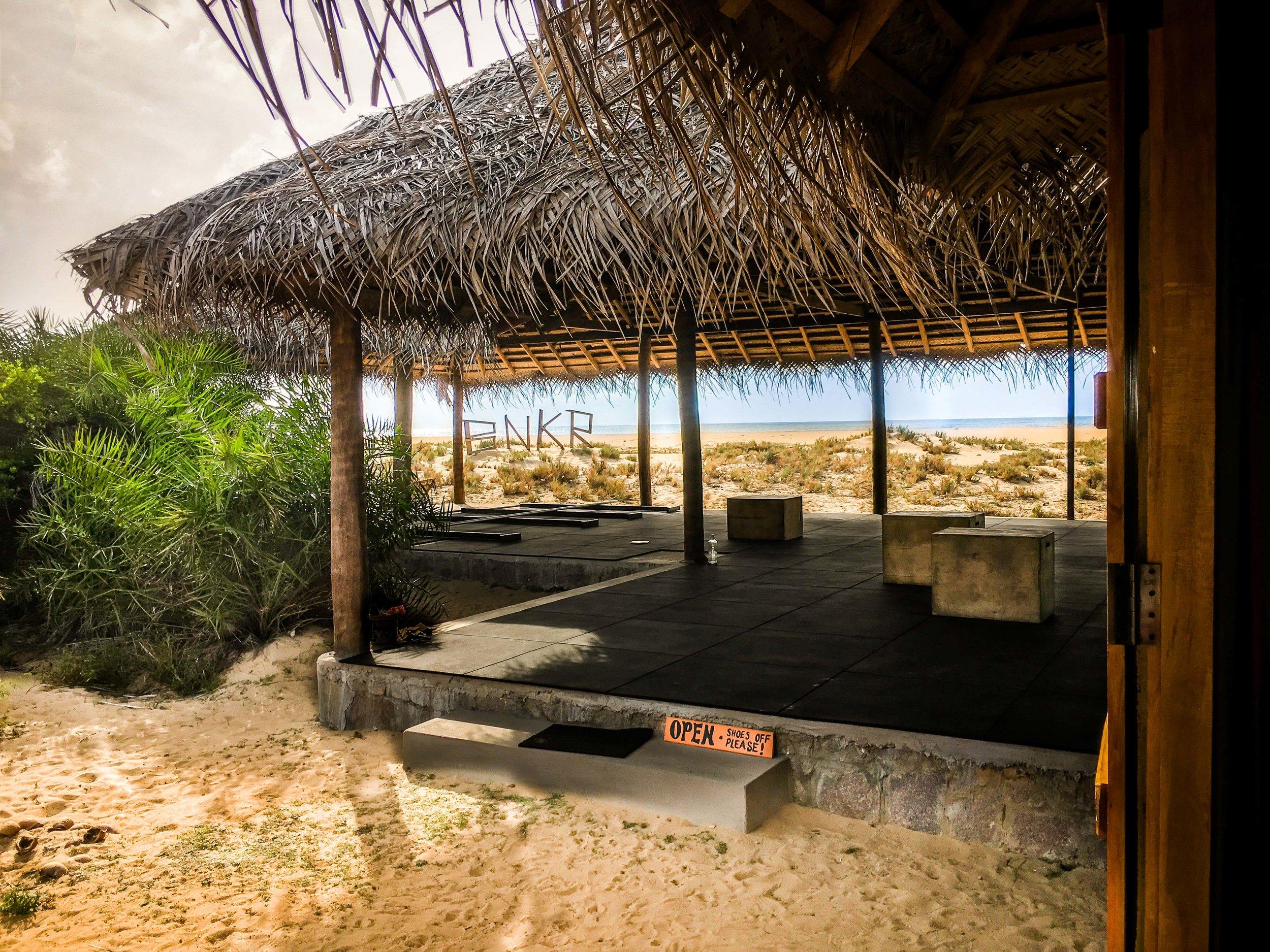 Remote_work_Beach_Sri_Lanka.jpg