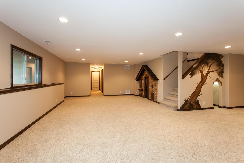 14706 W Valley Hi-large-020-20-Family Room-1500x1000-72dpi.jpg