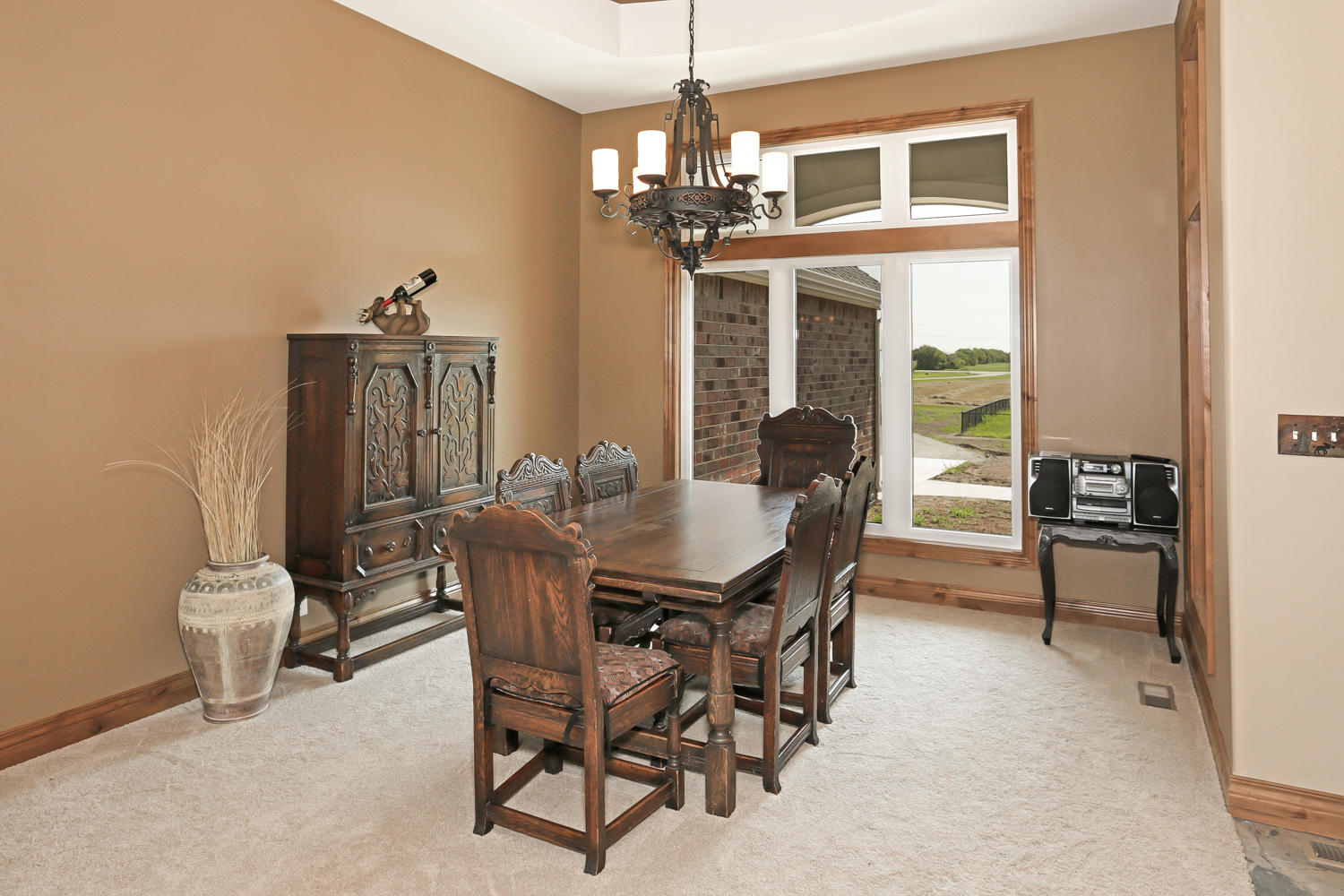123 Anywhere St Clearwater KS-large-007-7-Dining Room-1500x1000-72dpi.jpg